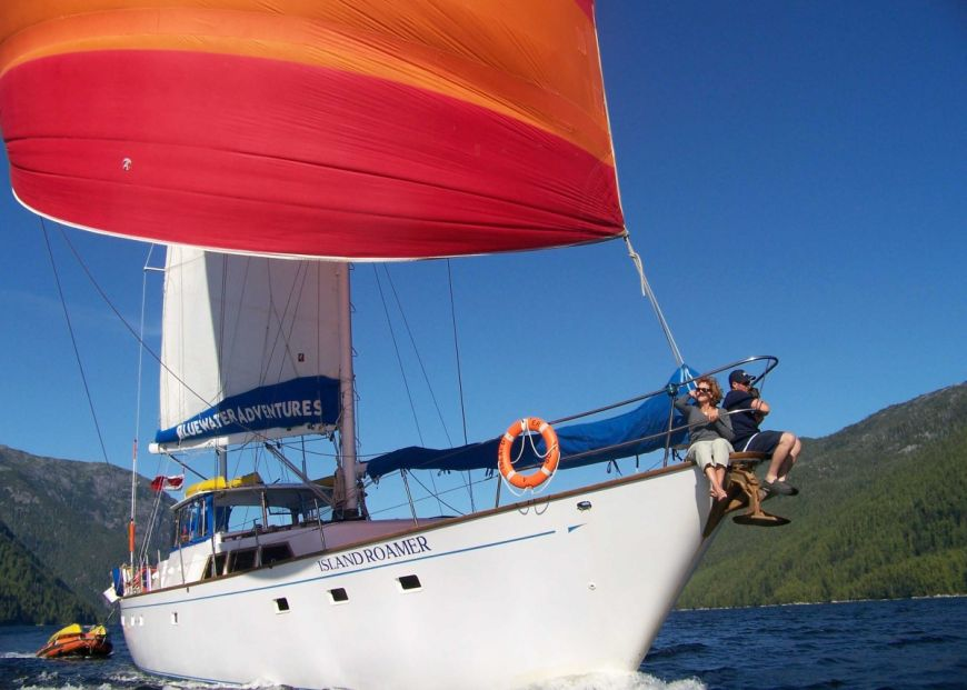 Summer Sailing on Island Roamer